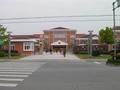 前の写真のサムネイル:立派な病院もありました