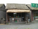 サムネイル:農民画村の農家風の売店