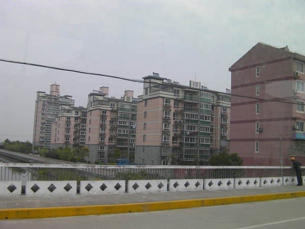 写真:意外に都会な楓涇