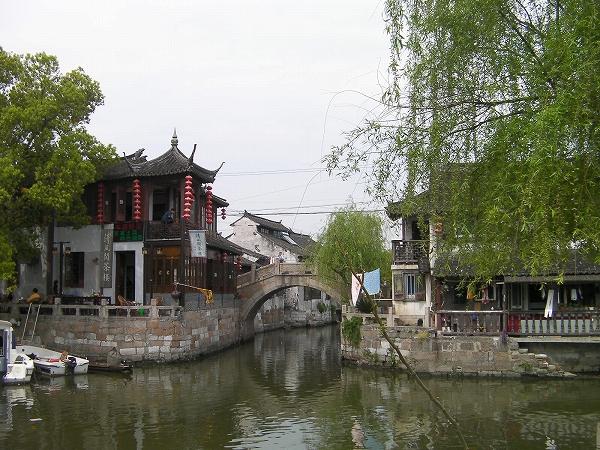 写真:竹行橋から見た北豊橋(楓涇三橋)